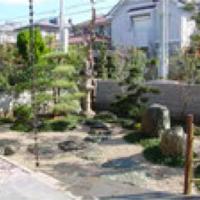 従来の素材を生かした和風庭園、開放感のある洋風庭園へ